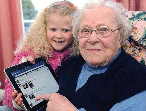 Cea mai in varsta utilizatoare Facebook are 103 ani! Si navigheaza in retea de pe…iPad!