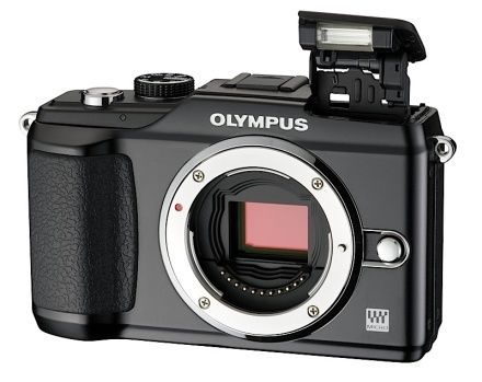 Olympus a lansat azi in Romania noi aparate foto