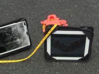 VIDEO Cascadorie cu iPad! Vezi de la ce inaltime a fost trantita tableta si daca a supravietuit