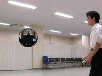 VIDEO Japonezii au creat mingea care vede tot ce misca!