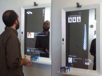 VIDEO Stiri, Facebook si shopping pe oglinda din baie