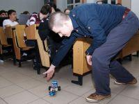 Cum sa-ti construiesti singur un robot controlat prin telefon sau laptop