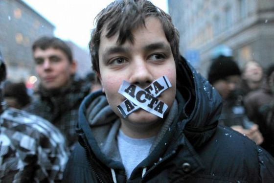 Ce este ACTA. Acordul care a fost semnat  in secret  si care  cenzureaza Internetul