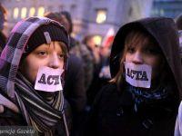 Romanii ies in strada impotriva ACTA, tratatului care urmareste distrugerea torrentelor