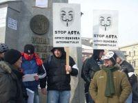 FOTO Romanii au iesit in strada impotriva ACTA. Va rugam sa ne scuzati, ne simtim supravegheati!