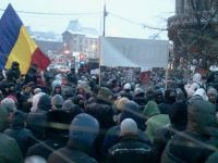 GALERIE FOTO Proteste anti-ACTA in Piata Universitatii din Bucuresti. Spunem NU ACTA!