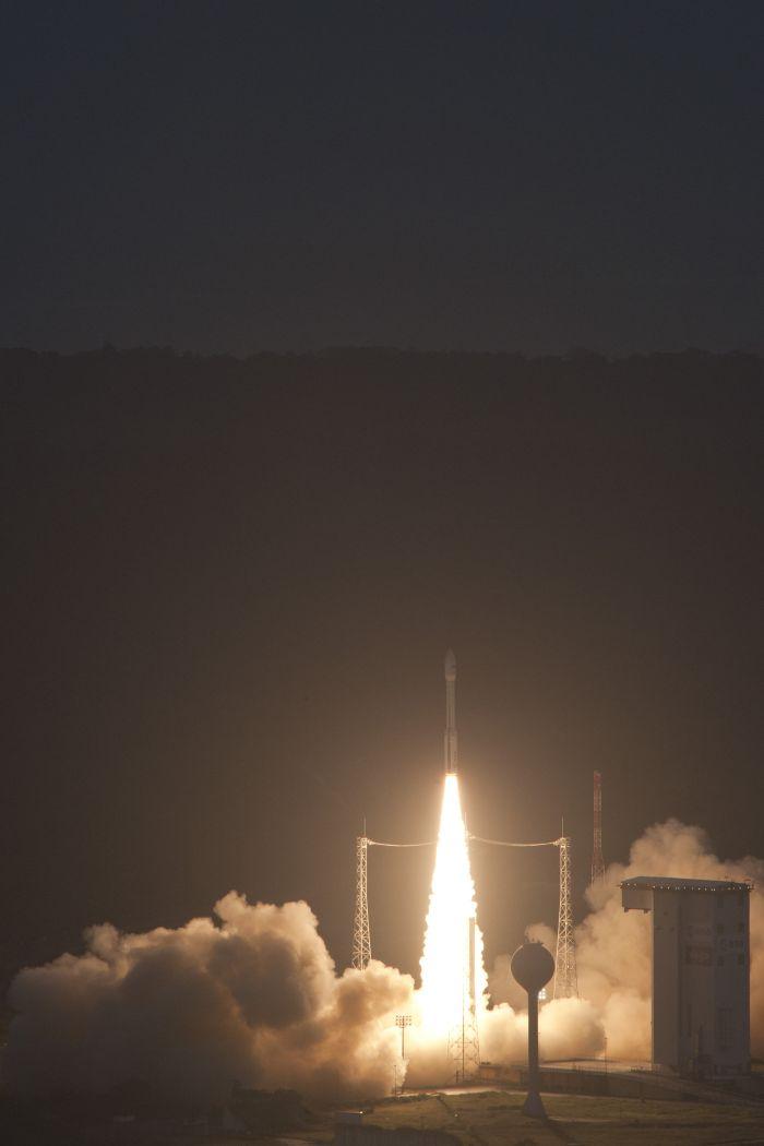 racheta Vega - satelitul Goliat