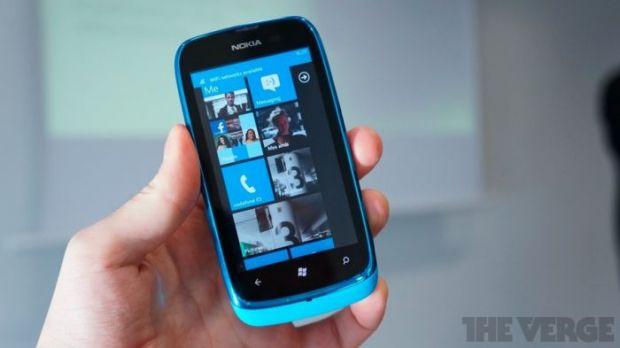 Un telefon ieftin cu Windows Phone: Nokia Lumia 610