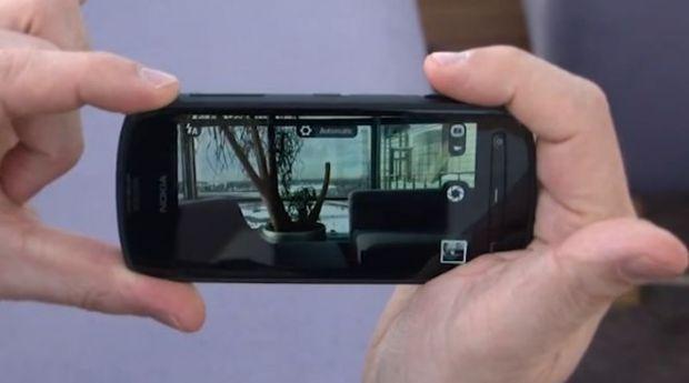 VIDEO Hands-On Nokia 808 PureView. Vezi cum arata celebrul smartphone cu camera de 41 MP