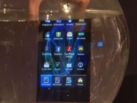 VIDEO Hands-On Panasonic Eluga, smartphone-ul japonez testat in borcanul cu apa