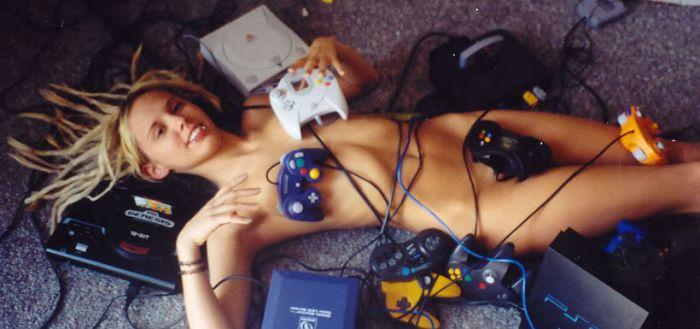 SUPER FOTO! Cele mai sexy gamerite din lume in cel mai HOT concurs de miss din 2012