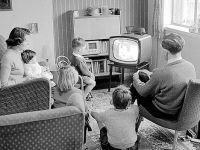 iLikeIT: Cu 500 de lei iti transformi televizorul vechi, intr-unul SMART. Cum faci asta: VIDEO