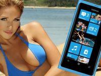 VIDEO Nokia apeleaza la reclame cu fete care se dezbraca in lift in competitia cu Samsung si Apple