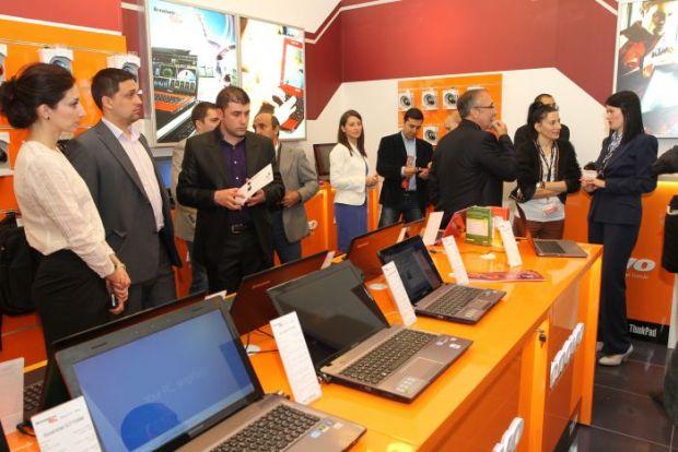 Laptopurile subtiri si accesibile ca pret, o noua directie pentru Lenovo