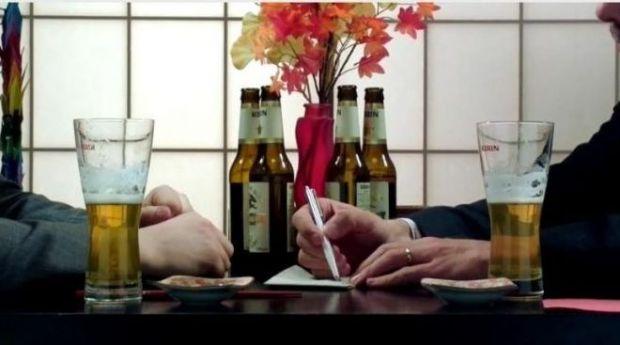 VIDEO Ideea telefonului cu camera de 41 MP a pornit de la 4 beri si o schita pe un servetel