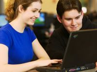 Studentii ardeleni se intrec la Social Hackathon. Premii in smartphone-uri