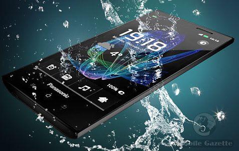 iLikeIT:Telefon la apa! Panasonic Eluga transmite imagini LIVE pe internet, dupa ce a fost scufundat