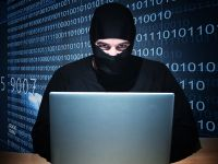 FBI, tinta unui atac informatic. Hackerii anunta ca au pus mana pe 12 milioane conturi Apple