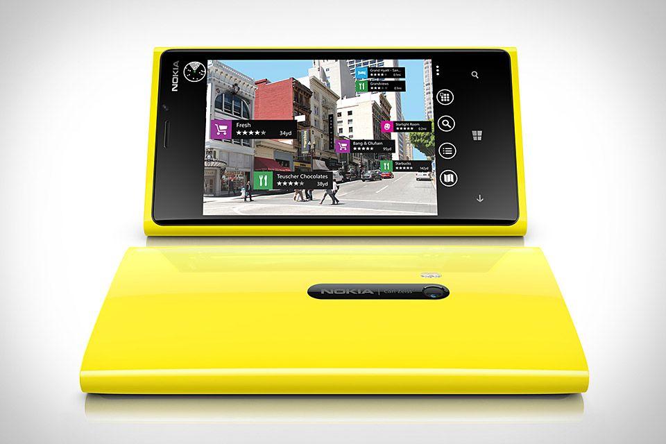 HANDS-ON: Nokia Lumia 920. Cat de bun e telefonul, care sunt primele impresii