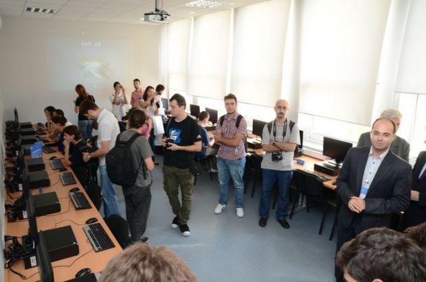 Laborator de cercetare Open Source, creat in Politehnica de Intel