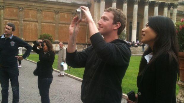 Facebook se va schimba dramatic in cativa ani. Ce profeteste Mark Zuckerberg