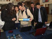 Burse de 10.000 de dolari pentru studentii de la Politehnica Bucuresti