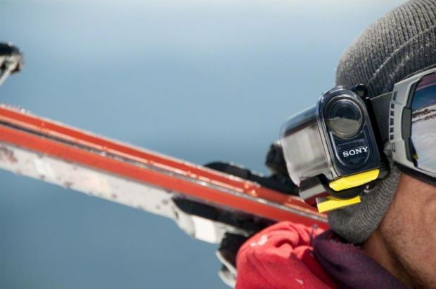Sony HDR-AS15 Action Cam, camera video Full-HD pentru sporturi extreme si filmari de actiune