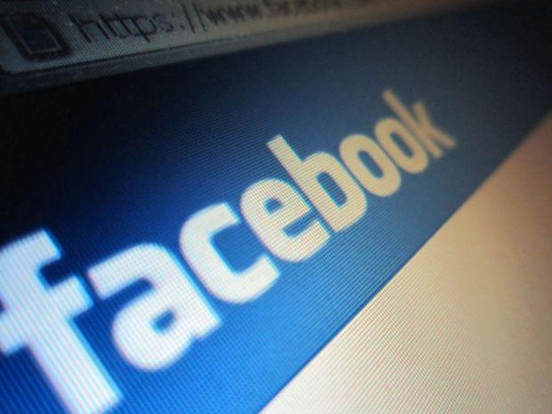 Postarile pe Facebook si Twitter, in atentia politiei. Cum au ajuns sa fie investigati aproape 5000 de oameni