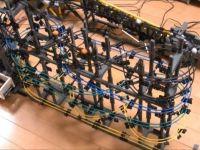 Un student japonez creeaza cea mai cool jucarie din lume! Masoara 31 m si e facuta din LEGO
