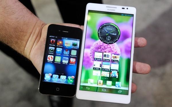 Lenovo aduce la CES K900 phablet , un hibrid telefon-tableta de 5,5 inch