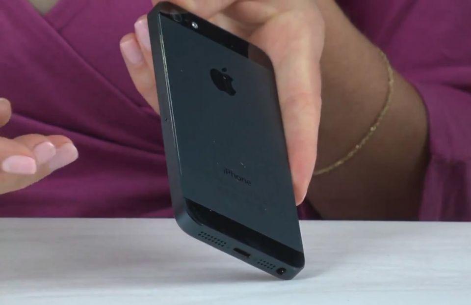 iPhone nu mai e preferatul americanilor. Ce telefon-surpriza este alaturi de Galaxy S III in trend in SUA