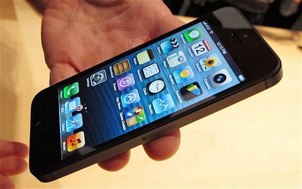 FOTO: iPhone nu va mai fi niciodata la fel. Decizie fara precedent luata de Apple: la ce element unic renunta compania