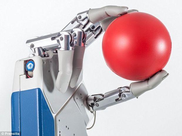 Prima mana bionica este gata pentru a fi transplantata