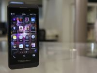 BlackBerry Z10 si Alcatel One Touch, vazute de George Buhnici la MWC 2013