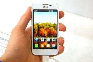 LG Optimus L5 II: Accesibil, performant, atragator. VIDEO review George Buhnici