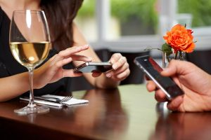 MWC 2013: Comanzi la restaurant, platesti la magazin si iei cupoane de reduceri cu o simpla aplicatie