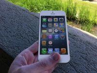 Ecranul de iPhone care nu se va zgaria niciodata. Inventia testata de George Buhnici la MWC 2013