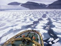 Polul Nord ar putea fi traversat de nave din 2050 din cauza topirii calotei glaciare