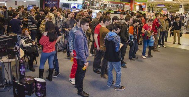 StarCraft II: Heart of the Swarm s-a lansat la miezul noptii in Romania