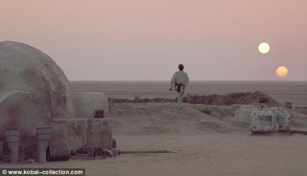 Tatooine, planeta lui Luke Skywalker din Star Wars, exista! Sub alt nume, insa