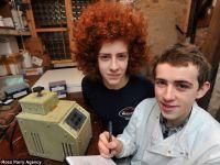 A fabricat un dispozitiv de testare ADN doar ca sa afle de ce fratele sau este roscat