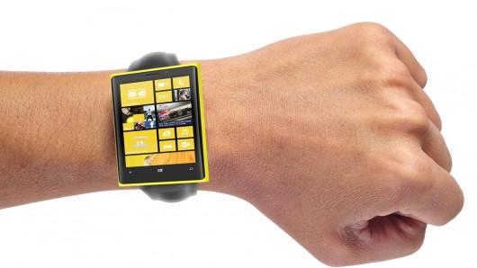 Microsoft lucreaza la un smartwatch, piata pe care ar putea concura cu Apple, Samsung si Google