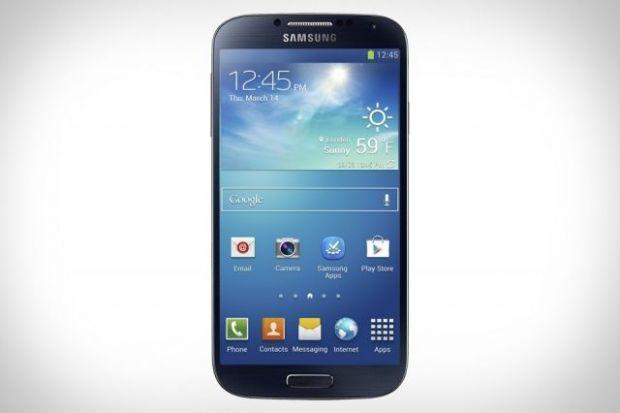 Samsung Galaxy S4 rezistent la apa. Un astfel de model ar urma sa apara in curand