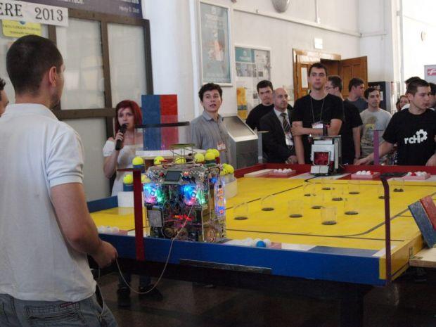 Concurs cu roboti petrecareti la Sibiu. Castigatorii merg la faza pe Europa