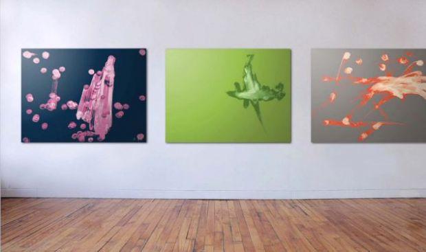 Urmele degetelor pe ecranul unui iPad dupa o sesiune de jocuri sau navigare pe net au creat tablouri de expozitie