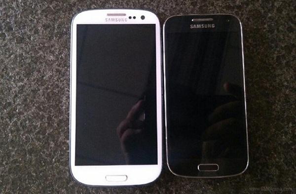Samsung Galaxy S4 mini, surprins in imagini. Ce specificatii ar putea avea. GALERIE FOTO
