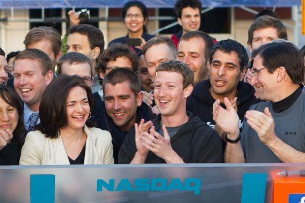 Facebook, la 1 an de la listarea la bursa. Valoarea companiei a scazut enorm