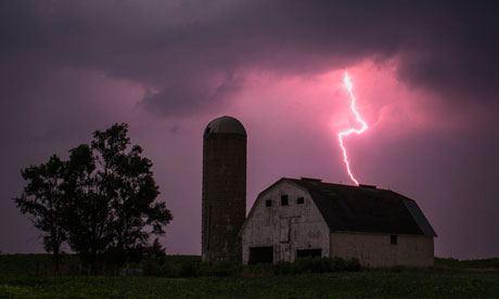 Ce se intampla cand fulgera?