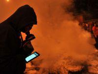 Revolutia nu se mai televizeaza, revolutia se desfasoara online