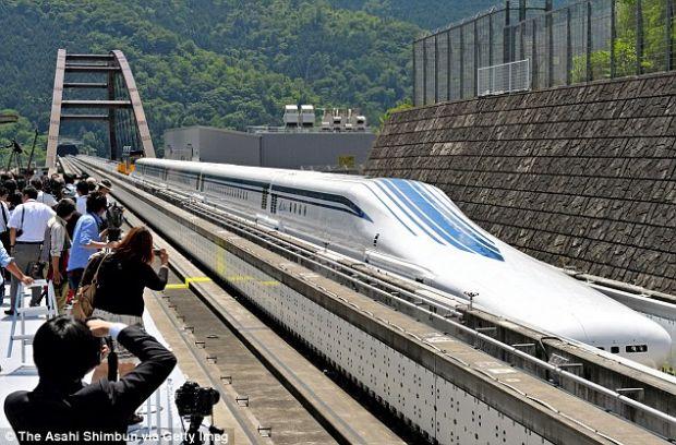 Maglev, trenul japonez care atinge 500 de km/h